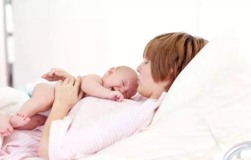 母乳分析仪母乳喂养优点利于婴儿健康成长
